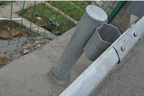 波形护栏板配件