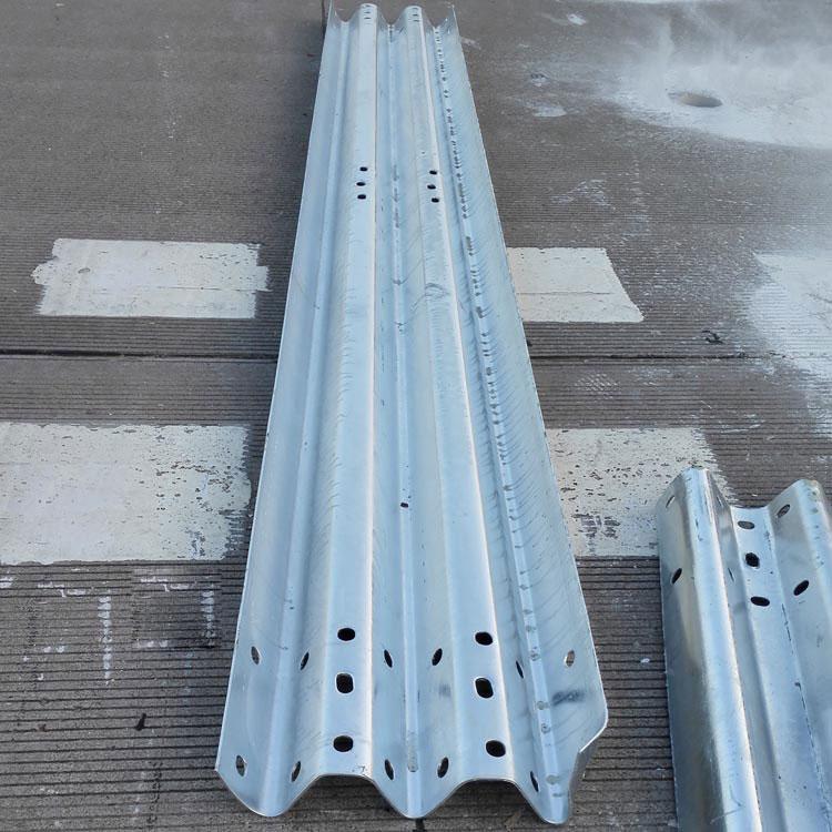 护栏板(三波热渡锌)